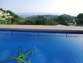 Villa In Lloret De Mar 104832 By Mo Rentals photos Exterior