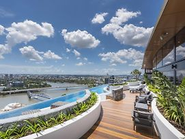 Modern Apartment In South Brisbane Infinity Pool photos Exterior