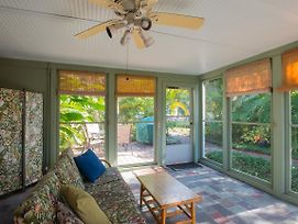 Studio - Fish Camp Pets Screened Porch Waterfront District photos Exterior