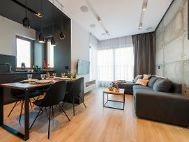 Expo XXI Trade Pradzynskiego Serviced Apartments photos Exterior