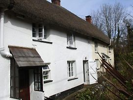 2 Churchgate Cottages, Exeter photos Exterior