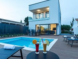 Villa Lasti With Private Swimming Pool photos Exterior