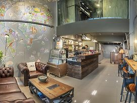 Sloth Hostel Don Mueang photos Exterior