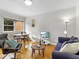 Comfy One Bedroom Unit Between City And Airport photos Exterior