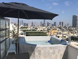 Tlv Suites Amazing Triplex Penthouse Near The Beach Small Pool photos Exterior