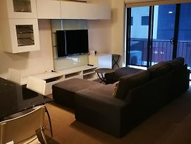 Superb 2 Bedroom East Perth Apartment Location Comfort Space 1 photos Exterior