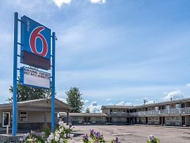 Motel 6 Fort Nelson Bc photos Exterior