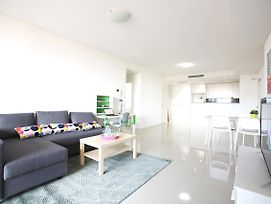 Luxury Bright Apartment Close To Cbd photos Exterior