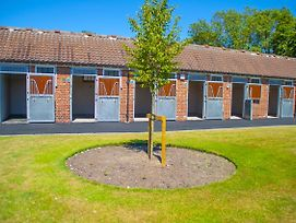 The Stable Suite @ York Racecourse photos Exterior