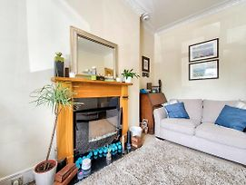 Cute Private Door 2 Bed Apartment On Easter Road photos Exterior