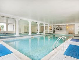 Stunning 2 Bed Near Haymarket With Pool photos Exterior