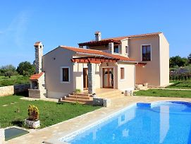 Family Friendly House With A Swimming Pool Valtura 6913 photos Exterior
