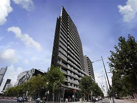 Farina Docklands Short Stay Apartments photos Exterior