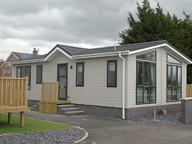 Hyattswood Lodges. Nr Brs Airport photos Exterior