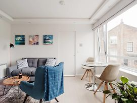 Sleek Contemporary 1 Bed Flat Near West Hampstead photos Exterior