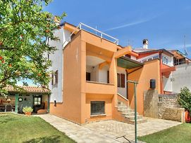 Apartments With A Parking Space Umag - 15941 photos Exterior