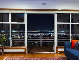 Lofty Views - City Stunner! photos Exterior