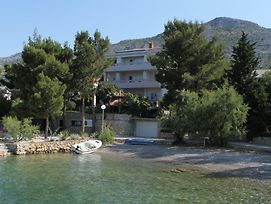 Rooms By The Sea Starigrad 3333 photos Exterior