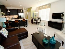 Modern 3 Bedroom 3 Bathroom Town Home In Serenity Dream photos Exterior