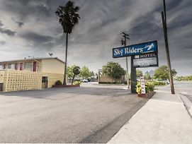 Sky Riders Motel photos Exterior