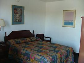 American Budget Inn And Suites- Modesto photos Room