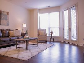 Sophisticated 1Br Apt Near Downtown & Mass Ave photos Exterior