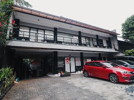 Reddoorz Plus Near Rs Fatmawati 2 photos Exterior