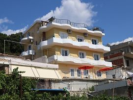 Apartment Himare photos Exterior