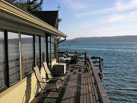 Union City Beach House At Hood Canal Waterfront Vacation Rental photos Exterior