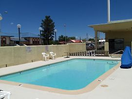 Motel 8 Willcox photos Exterior