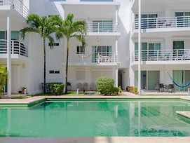 Pelicanos Condominium By Chezplaya photos Exterior