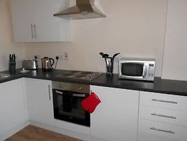 Parallel House Serviced Apartments Slough Windsor photos Exterior