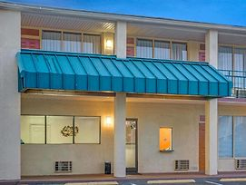 Super 8 By Wyndham Gastonia photos Exterior