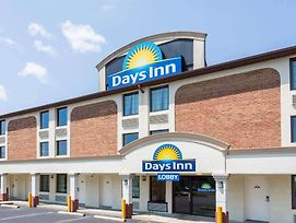 Days Inn By Wyndham Dumfries Quantico photos Exterior
