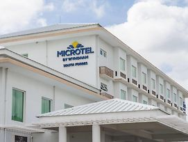 Microtel By Wyndham South Forbes Near Nuvali photos Exterior