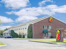 Super 8 By Wyndham Maumee Perrysburg Toledo Area photos Exterior