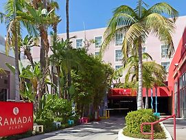 Ramada Plaza By Wyndham West Hollywood Hotel & Suites photos Exterior