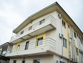 Maxton Suites Magodo photos Exterior