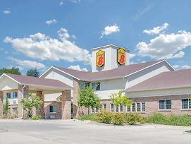 Super 8 By Wyndham Cedar Falls photos Exterior