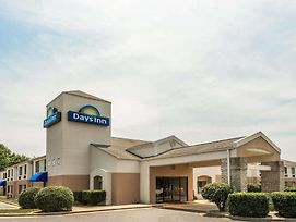 Days Inn By Wyndham Yadkinville photos Exterior