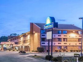 Days Inn By Wyndham Hurstbourne photos Exterior