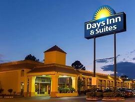 Days Inn & Suites By Wyndham Vicksburg photos Exterior