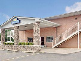 Days Inn By Wyndham Joelton/Nashville photos Exterior