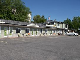 Haileybury Beach Motel photos Exterior