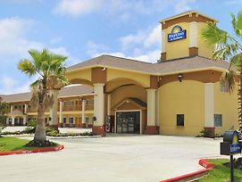 Days Inn By Wyndham Humble/Houston Intercontinental Airport photos Exterior