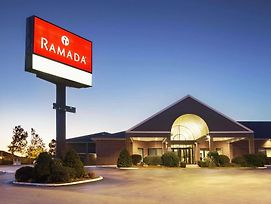 Ramada By Wyndham Batesville photos Exterior