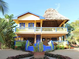 Coconut Row Guest House photos Exterior