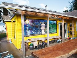 Tofino Travellers Guesthouse photos Exterior