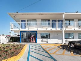 Motel 6 Mcallen photos Exterior
