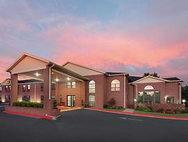 Super 8 By Wyndham Lowell/Bentonville/Rogers Area photos Exterior